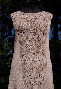 Lavinia by FadenStille. Vestido entallado, muy bonito.